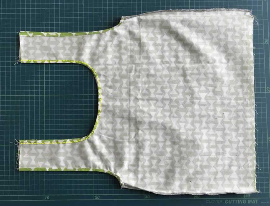 三つ折りして縫う