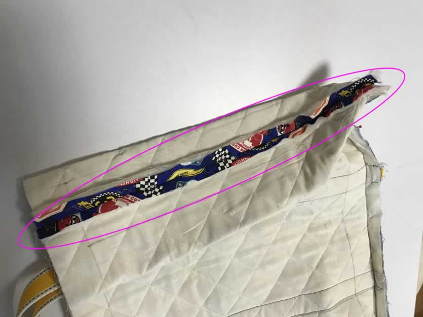 縫いしろを割る